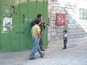 Israelische Patrouille in Hebron