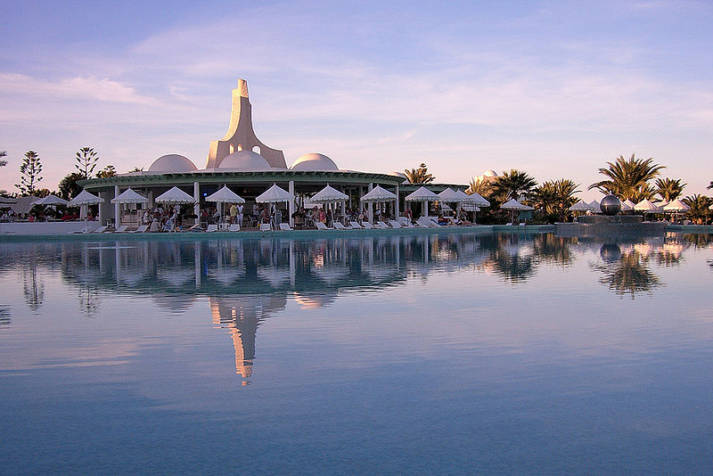 Luxushotel, Tunesien Luxushotel, Tunesien |  Bild: © drklops [CC BY 2.0]  - Wikimedia Commons