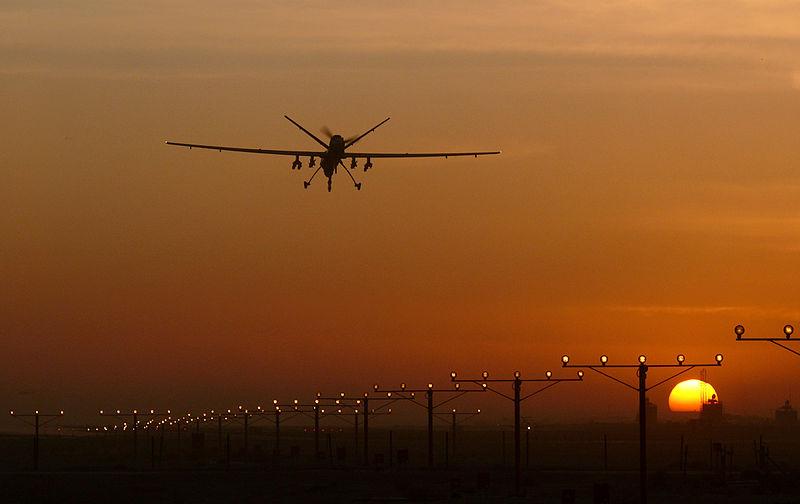 Der Tod ist allgegenwärtig - eine Drohne im Anflug auf den Flughafen in Kandahar.