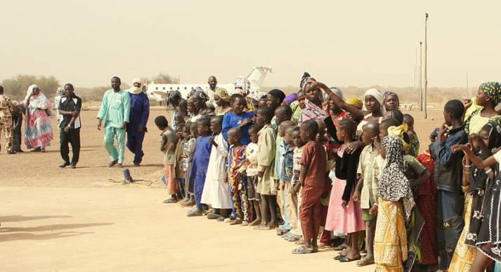 Flüchtlinge Mali Aus Angst vor der anhaltenden Gewalt in ihrem Land kehren malische Flüchtlinge nicht in ihre Heimat zurück. |  Bild: © European Commission DG ECHO/Cyprien Fabre [CC BY-SA 2.0]  - Wikimedia Commons