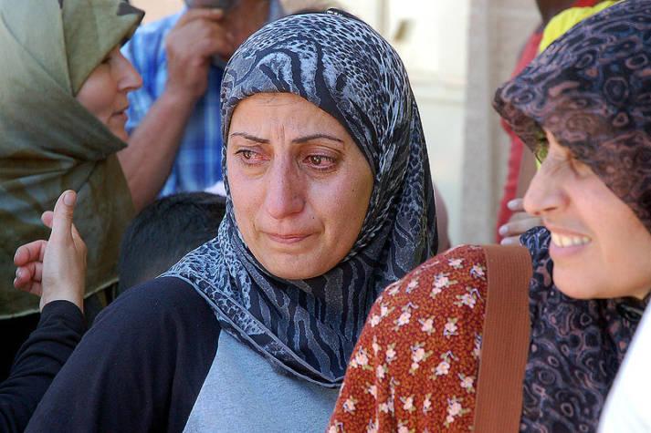Frauen auf der Flicht Frauen sind auf der Flucht besonderer Gefahr und Gewalt ausgesetzt. |  Bild: © Masser - Wikimedia Commons