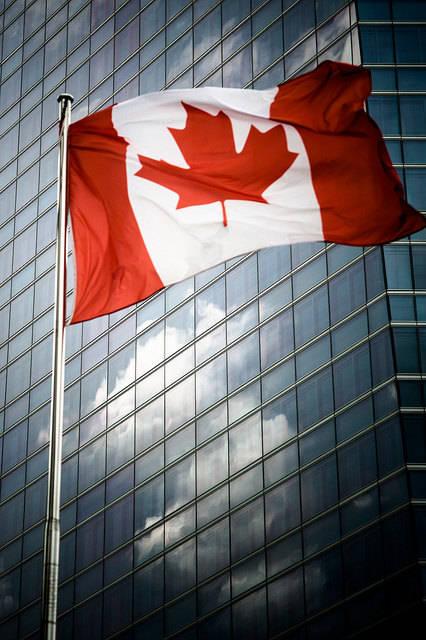 Kanadische Flagge  Bild: ©  Patrick Dobeson [CC BY-NC-ND 2.0]  - flickr