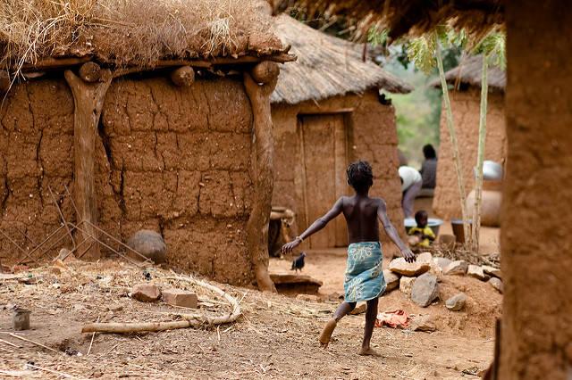 Kind in Burkina Faso  Bild: © Eric Montfort [CC BY-NC-ND 2.0]  - Flickr