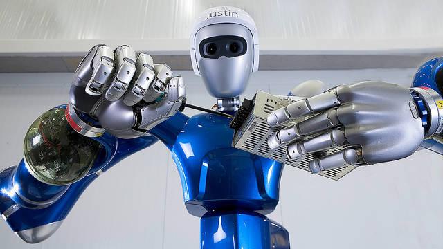 Roboter zur Wartung von Industrieanlagen Roboter zur Wartung von Industrieanlagen    Bild: ©  DLR German Aerospace Center [CC BY 2.0]  - Flickr