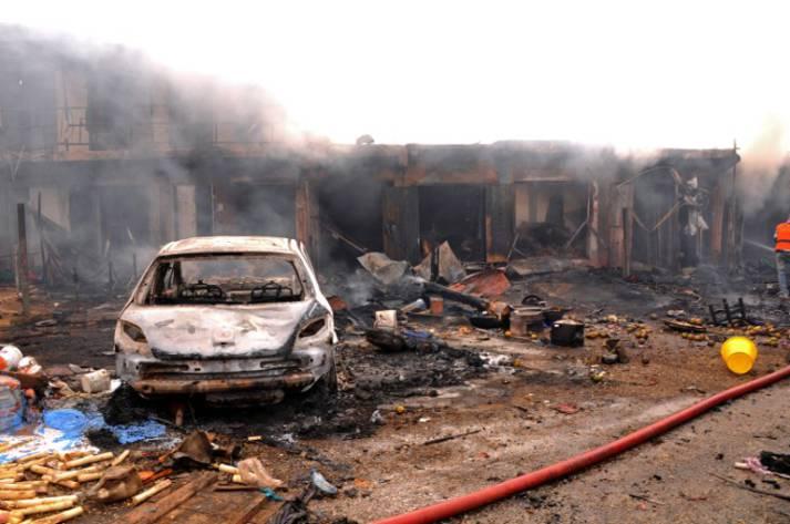 Ausgebranntes Auto in Jos (Nigeria) nach Anschlag von Boko Haram |  Bild: © Diariocritico de Venezuela [CC BY 2.0]  - flickr.com