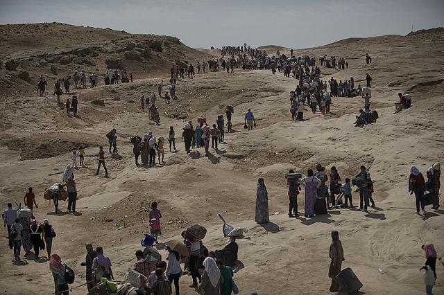Syrer fliehen über die Grenzen in den Nordirak