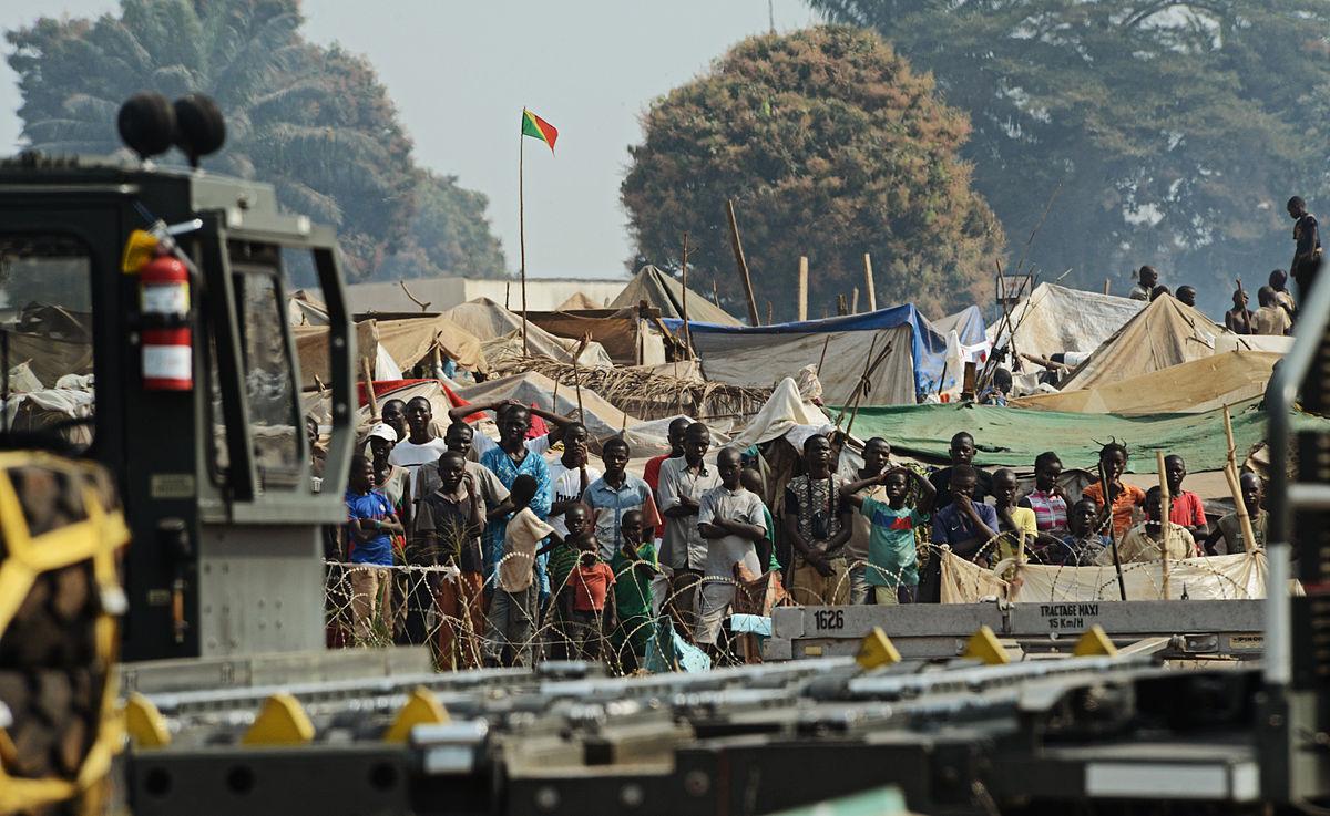 Zentralafrikanische Flüchtlinge am Flughafen von Bangui