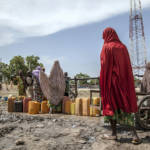 Flüchtlingslager Banki IDP, Nigeria Das Banki IDP Camp im Nordosten Nigerias beherbergt zahlreiche Menschen, die der Gewalt Boko Harams entfliehen wollen. | Bild (Ausschnitt): © Utenriksdepartementet UD [CC BY-NC-ND 2.0] - flickr.com
