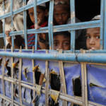 Rohingya children in a rural village in Buthidaung township, northern Rakhine State, March 2016 Das systematische Vorgehen von Myanmars Behörden gegen die Rohingya entspricht in allen Punkten der juristischen Definition von Apartheid als Verbrechen gegen die Menschlichkeit. | Bild (Ausschnitt): © Prachatai [CC BY-NC-ND 2.0] - Flickr