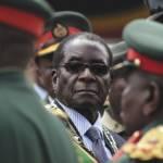Mugabe Der 93-Jährige Robert Mugabe herrschte fast vier Jahrzehnte in Simbabwe. Nun legte er auf Drängen seiner Parteikollegen sein Amt nieder. | Bild (Ausschnitt): © a-birdie [CC BY-NC 2.0] - Flickr
