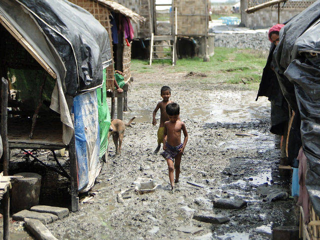 Rohingya-Kinder Viele der Rohingya-Kinder leiden in den Flüchtlingscamps an Hunger - sie haben keinerlei Perspektive. |  Bild: © European Commission DG ECHO [CC BY-NC-ND 2.0]  - Flickr