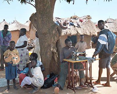 Lebuje Flüchtlingscamp in Uganda Das Lebuje Flüchtlingscamp im Norden Ugandas beherbergt zahlreiche Menschen aus dem Sudan  |  Bild: © US Government [Public Domain]  - Wikimedia Commons