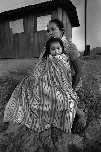 Symbolbild: Slavadorianische Frau flüchtete mit Kind vor drohender Gewalt    Bild: © Moody College of Communication [CC BY-SA 2.0]  - Flickr