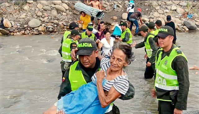 VenezuelaColombia Migrationskrise 1,2 Millionen Venezolaner verließen seit 2016 ihre Heimat |  Bild: © Policía Nacional de los colombianos [CC BY-SA 2.0]  - Wikimedia Commons