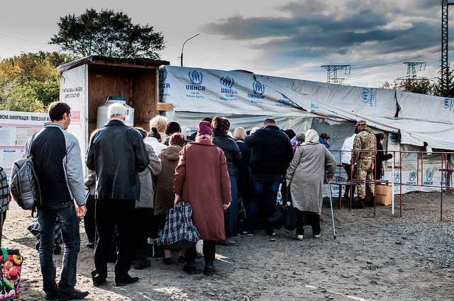 IDPs in Donbas Winter 2017 UNHCR: mittlerweile 1,85 Millionen Binnenvertriebenen in der Ukraine |  Bild: © Roberto Maldeno [CC BY-NC-ND 2.0]  - Flickr