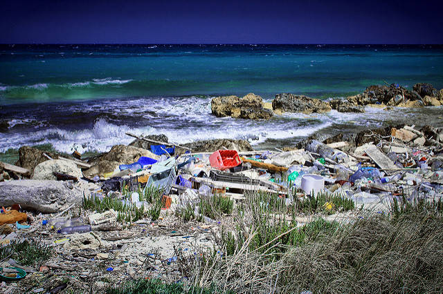 Die Menschheit hat laut Schätzungen bisher mehr als acht Millionen Tonnen Plastik produziert |  Bild: © Paolo Margari [CC BY-NC-ND 2.0]  - Flickr