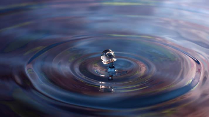 Wassertropfen Wasser ist ein kostbares Gut, das Begehrlichkeiten weckt |  Bild: © kennysarmy [CC BY-NC-ND 2.0]  - Flickr