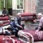 Teppichhändler auf dem Basar in Teheran Teppichhändler auf dem Basar in Teheran. Sie leiden besonders unter den Sanktionen. | Bild (Ausschnitt): © Fulvio Spada [CC BY-SA 2.0] - Flickr