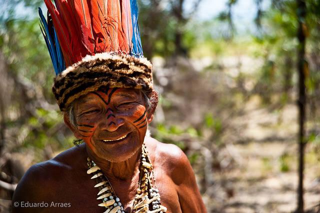 Indigene in Brasilien Die Lage vieler indigener Völker ist sehr gefährlich, denn sie werden von Landbesitzern bedroht, gefoltert und sogar ermordet |  Bild: © Eduardo Fonseca Arraes [CC BY-NC-ND 2.0]  - flickr