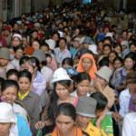 Kambodschanische Fabrikarbeiter Kambodschanische Frabrikarbeiter protestieren für bessere Arbeitsbedingungen in der Textilbranche | Bild (Ausschnitt): © ILO in Asia and the Pacific [CC BY-NC-ND 2.0] - flickr