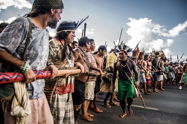 Indigene demonstrieren