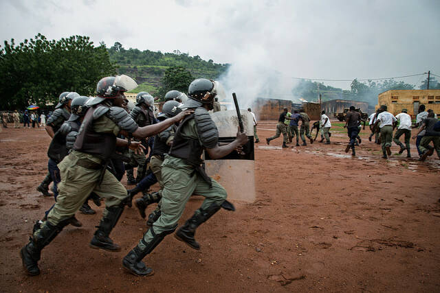 Soldaten der UN-Truppen in Mali Die Soldaten der Vereinten Nationen in Mali richten ein Trainig für die malische Polizei aus    Bild: © United Nations Photo [CC BY-NC-ND 2.0]  - flickr