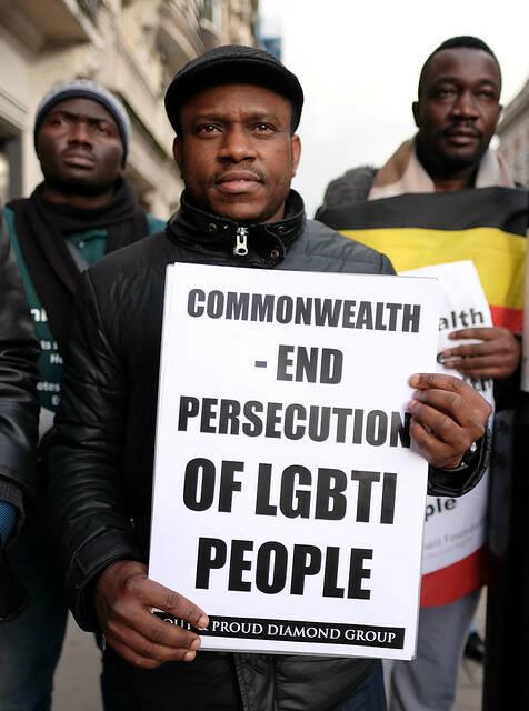 LGBTI-Rechte Demonstranten fordern Menschenrechte  |  Bild: © Alisdare Hickson [CC BY-SA 2.0]  - https://www.flickr.com/