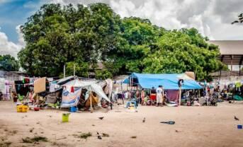geflohene Warao-Indigene in Brasilien Unterkunft der geflohene Warao-Indigene in brasilianische Ort Boa Vista    Bild: © Amazônia Real [CC BY 2.0]  - Flickr
