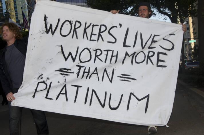 Proteste aus Solidarität mit den erschossenen Bergleuten in Südafrika. Proteste aus Solidarität mit den erschossenen Bergleuten in Südafrika |  Bild: © Daniel Arauz [CC BY-SA 2.0]  - flickr