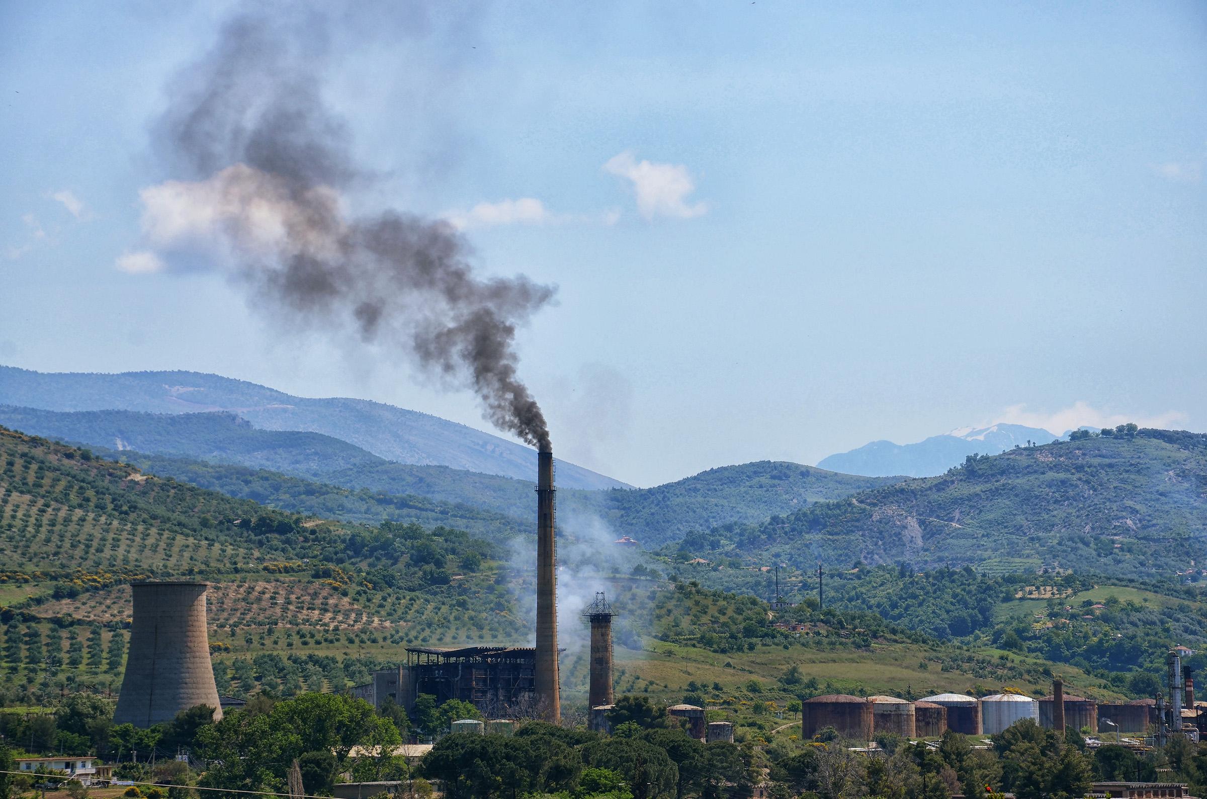 Die durch Entwicklungshilfe subventionierte umweltschädliche Infrastruktur für fossile Brennstoffe untergräbt die Fortschritte, die beim Klimawandel und bei der internationalen Entwicklung erzielt wurden.