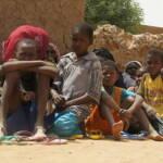 Immer öfter sind die Angreifer die eigenen Nachbarn Menschen in Mali fliehen vor der Gewalt: Immer öfter sind die Angreifer die eigenen Nachbarn | Bild (Ausschnitt): © EU Civil Protection and Humanitarian Aid Operations [CC BY-SA 2.0] - Flickr