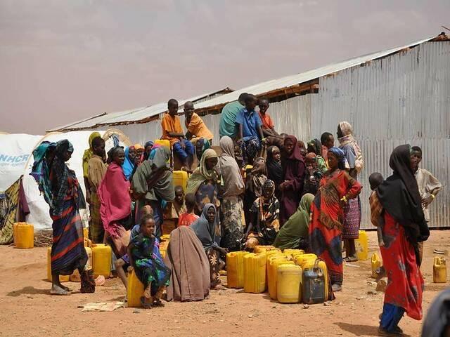 In Somalia sind viele Menschen auf Entwicklungsilfe angewiesen |  Bild: ©  Water Alternatives [CC BY-NC 2.0]  - flickr