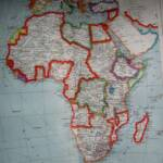 Koloniale Aufteilung des afrikanischen Kontinents 1925. Rot - Französische Kolonien, Braun - Britische Kolonien, Pink - Portugisische Kolonien (Angola & Mozambique), Gelb - Spanische Kolonien, Dunkelgrün - Italienische Kolonien (Libya, Italian Somalia & Eritrea). Die einzigen unabhängigen Nationen: Ägypten und Äthiopien. | Bild (Ausschnitt): © Gabriel [CC BY 2.0] - flickr