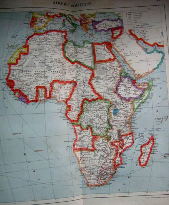 """Koloniale Aufteilung des afrikanischen Kontinents 1925. Rot - Französische Kolonien, Braun - Britische Kolonien, Pink - Portugisische Kolonien (Angola & Mozambique), Gelb - Spanische Kolonien, Dunkelgrün - Italienische Kolonien (Libya, Italian Somalia & Eritrea). Die einzigen unabhängigen Nationen: Ägypten und Äthiopien.    Bild: """"Africa, 1925"""" © Gabriel [CC BY 2.0]  - flickr"""