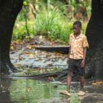 Junge in Mosambik nach dem Zyklon Idai am 14. März 2019 Junge in Mosambik nach dem Zyklon Idai am 14. März 2019 | Bild (Ausschnitt): © Climate Centre [CC BY-NC 2.0] - Flickr