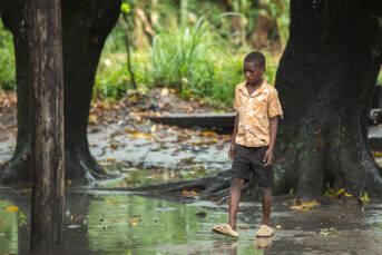 Junge in Mosambik nach dem Zyklon Idai am 14. März 2019 Junge in Mosambik nach dem Zyklon Idai am 14. März 2019 |  Bild: © Climate Centre [CC BY-NC 2.0]  - Flickr