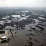 Überflutetes Wohngebiet Fluten werden immer häufiger, hie eine Überschwemmung in Pakistan | Bild (Ausschnitt): © United Nations Photo [CC BY-NC-ND 2.0] - flickr