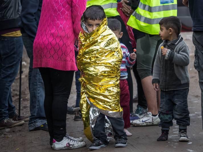Kleiner Junge kurz nach seiner Ankunkft auf Lesbos |  Bild: © Charles-André Habib [CC BY-NC-ND 2.0]  - flikr