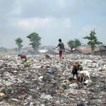 Müllkippe in Jakarta, Indonesien | Bild (Ausschnitt): © Jonathan McIntosh [CC BY 2.0] - Wikimedia Commons