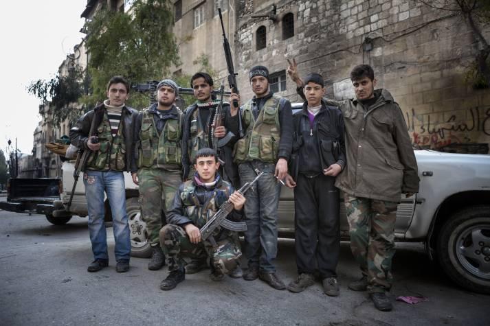 Mitglieder der Freien Syrischen Armee, die gegen das Assad-Regime kämpfen |  Bild: © Hunterbracewell  - dreamstime.com