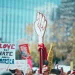Am 8. März gehen jährlich Tausende auf die Straße um für Frauenrechte zu demonstrieren | Bild (Ausschnitt): © Molly Adams [CC BY 2.0] - flickr