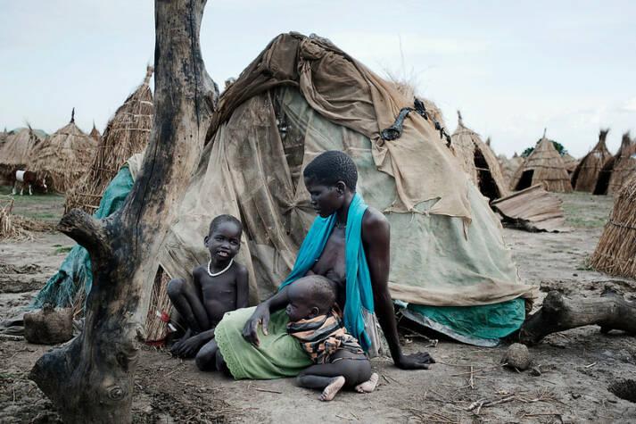Humanitäre Krise im Südsudan Humanitäre Krise im Südsudan: Tausende Menschen flüchten derzeit vor dem Konflikt. Vor allem Frauen und Kinder sind sexueller Gewalt ausgesetzt. |  Bild: © World Humanitarian Summit [CC BY-ND 2.0]  - flickr