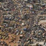 Verkehr in Afrika Durch den Export von europäischen Gebrauchtwagen nimmt die Luftverschmutzungen in den Städten Afrikas zu | Bild (Ausschnitt): © United Nations photo [CC BY-NC-ND 2.0] - flickr
