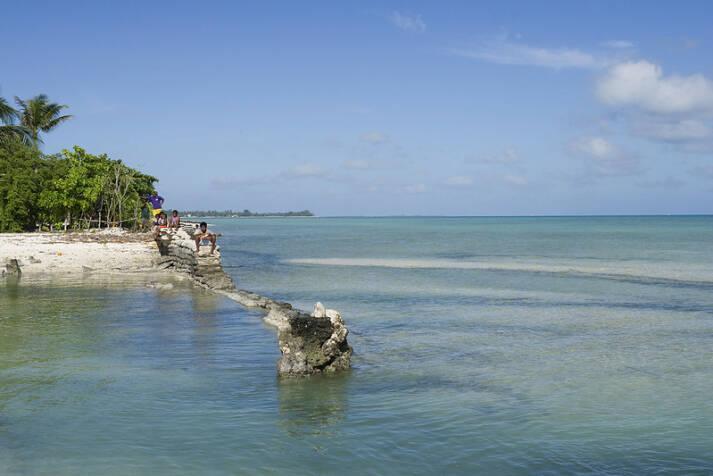 Die Pazifikinsel Kiribati. Der Inselstaat Kiribati droht wegen dem Klimawandel im Meer zu versinken. |  Bild: © United Nations Photo [Attribution-NonCommercial-NoDerivs 2.0 Generic (CC BY-NC-ND 2.0) ]  - flickr