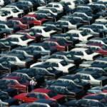 Wolfsburg, VW Autowerk, Parkplatz Neuwagen Nach dem Abgasskandal ist VW der größte Autobauer der Welt geworden | Bild (Ausschnitt): © Bundesarchiv [CC-BY-SA 3.0] - Wikimedia Commons