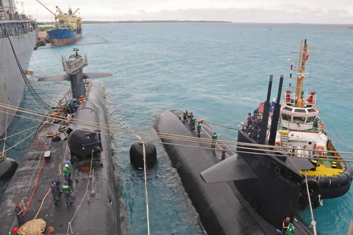 Amerikanische Kampf-U-Boote legen an der Chagos-Insel Diego Garcia an. |  Bild: © U.S. Pacific Fleet  [CC BY-NC 2.0]  - flickr
