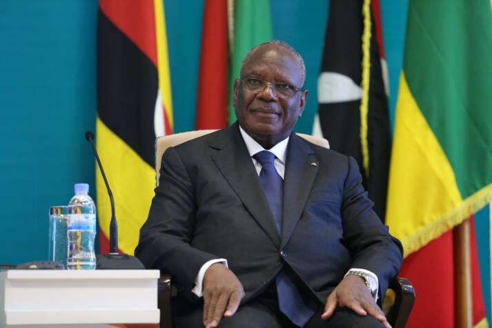 Mali Präsident Keita Nachdem er beim Militärputsch festgesetzt worden war, sah sich Malis Präsident Ibrahim Boubacar Keïta gezwungen, seinen Rücktritt zu erklären.  |  Bild: © Paul Kagame [CC BY-NC-ND 2.0]  - Flickr