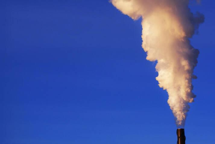 CO2 Ausstoß  Bild: © Paul Falardeau [CC BY-ND 2.0]  - Flickr