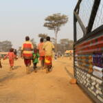Geflüchtete in einem Lager in Tansania, nahe der burundischen Grenze Eine sozio-politische Krise vertreibt die burundische Bevölkerung | Bild (Ausschnitt): © EU Civil Protection and Humanitarian Aid [CC BY-NC-ND 2.0] - flickr