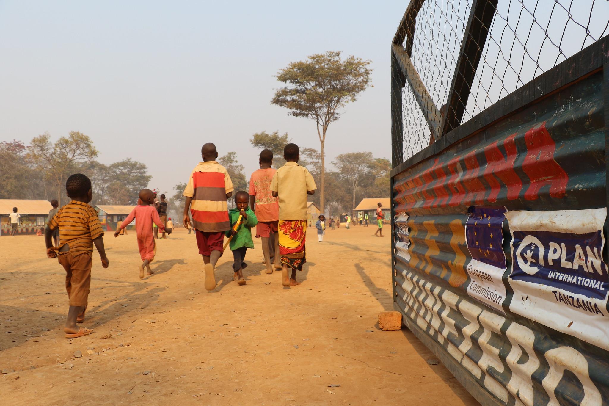 Geflüchtete in einem Lager in Tansania, nahe der burundischen Grenze